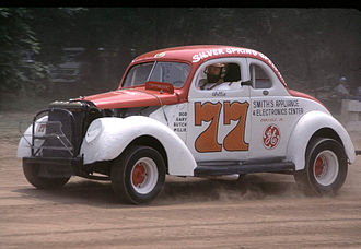 Modified stock car racing - A vintage modified