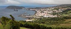 Vista de Horta desde el mirador de Nossa Senhora da Conceição, Isla de Fayal, Azores, Portugal, 2020-07-26, DD 13.jpg