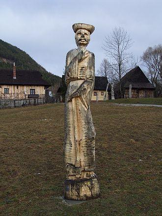 Vlkolínec - Image: Vlkolínec socha