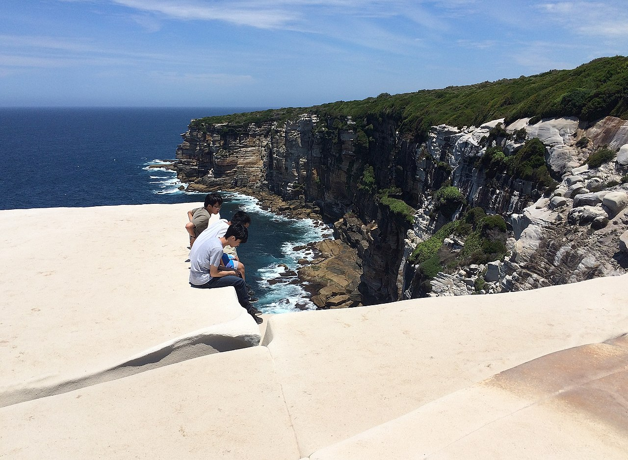 file wedding cake rock and the white cliffs  december 2014 jpg