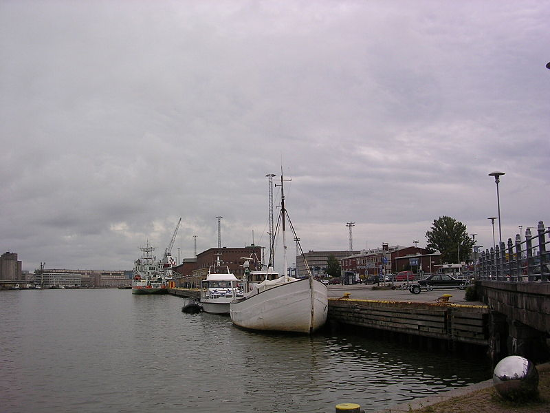 File:West Port of Helsinki - panoramio - Aulo Aasmaa.jpg