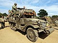 White halftrack, hoodno USA 402686 pic1.JPG
