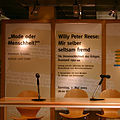 Willy Peter Reese, Lesung in der Duisburger Zentralbibliothek, 2005.jpg