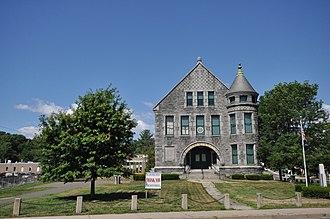 Memorial Hall (Windsor Locks, Connecticut) - Image: Windsor Locks CT Memorial Hall