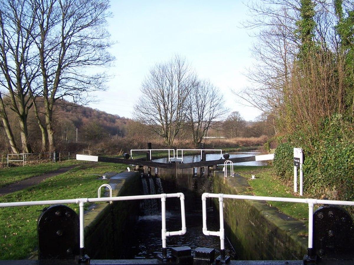 Woodside Mills Lock - geograph.org.uk - 168349.jpg
