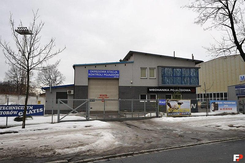 File:Wrocław, Metalowców 25 (Okręgowa Stacja Kontroli Pojazdów) - fotopolska.eu (171595).jpg