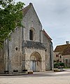 Église de Druyes-les-Belles-Fontaines, juin 2019.jpg