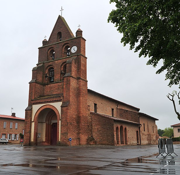 Church of Fontenilles by a rainy day (Haute-Garonne, France).