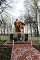 Гуменне, Пам'ятник 58 воїнам – односельчанам загиблим на фронтах ВВВ, біля бібліотеки.jpg