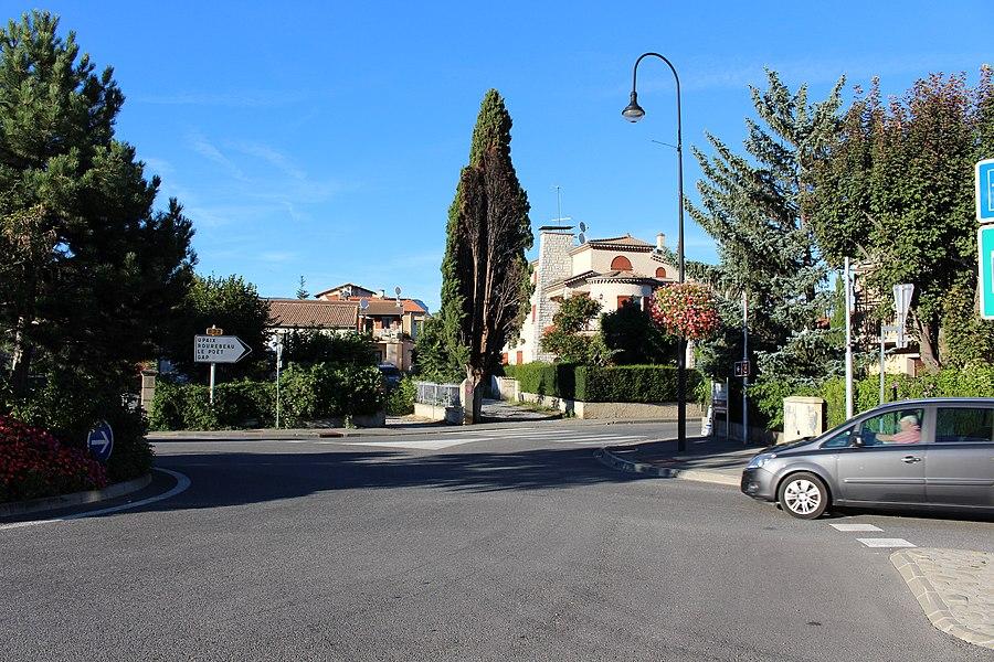 Ларань-Монтеглен. На проспекте Прованс (av. de Provence).