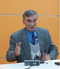 Профессор Миронов Б.Н. выступает в Германском историческом институте. Здание ИНИОН РАН. 29.11.2011 г.jpg