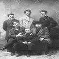 אוסף נחום סוקולוב. חבורת צעירים לא מזוהה 1902 רזולוציה גבוהה-PHNS-1410014.png