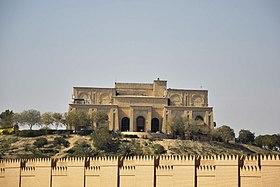 منظر جزئي لأطلال بابل من القصر الصيفي لصدام حسين