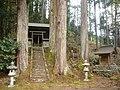 黒滝村粟飯谷 八幡神社 Awaidani Hachiman-jinja 2011.4.26 - panoramio.jpg