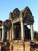 021 Banteay Samre Temple Entrance.jpg