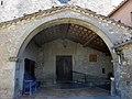 035 Santuari de la Mare de Déu dels Munts (Sant Agustí de Lluçanès), porxo de l'església.jpg