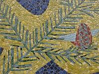 1170 Andergasse 10-12 - Ernest Bevin-Hof Stg 12 - Hauszeichen Fichtenzweig von Ferrry Zotter 1958 IMG 4773.jpg