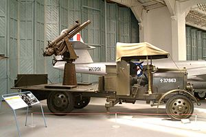QF 13-pounder 9 cwt - Restored gun on Mk III mount on Thornycroft lorry, at Imperial War Museum Duxford