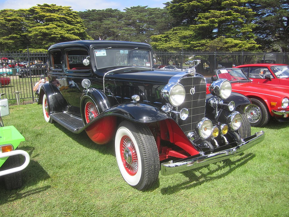 1932 Cadillac 355B V8 Sedan