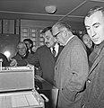1963 Visite de Mrs Georges Pompidou et Edgard Pisani au CNRZ-5-cliche Jean Joseph Weber.jpg