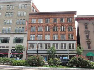 Pratt Street Historic District - 196 Trumbull Street