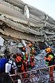 2010년 중앙119구조단 아이티 지진 국제출동100118 중앙은행 수색재개 및 기숙사 수색활동 (214).jpg