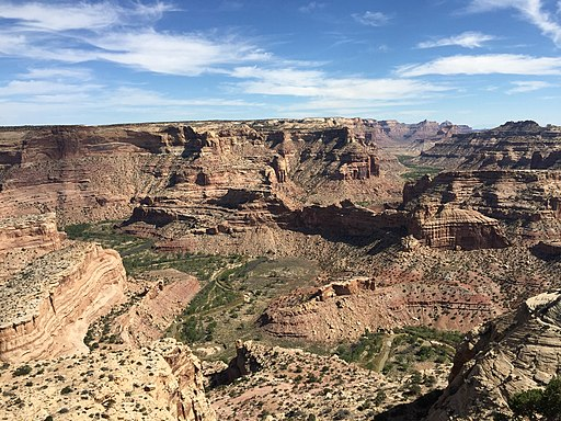 2015-09-27 13 47 01 View east down the Little Grand Canyon of the San Rafael River from Wedge Overlook in Emery County, Utah