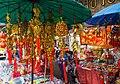 2016 Bangkok, Dystrykt Samphanthawong, Ulica Yaowarat, Chińskie pamiątki (03).jpg
