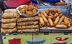 2016 Bangkok, Dystrykt Samphanthawong, Ulica Yaowarat, Uliczne jedzenie (01).jpg