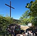 20181005205MDR Rabenau Quellenberg-Denkmal bei Hainsberg.jpg