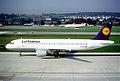 260ae - Lufthansa Airbus A320-211, D-AIPS@ZRH,22.09.2003 - Flickr - Aero Icarus.jpg