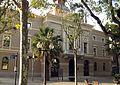 33 Ca la Vila, seu del districte de Sant Martí.jpg