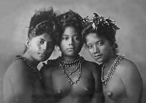 Derek Freeman - Three Samoan girls photographed in 1902 forty years before Freeman's arrival in Samoa