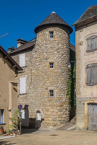 File:55 Rue Notre Dame in Quezac Lozere.jpg
