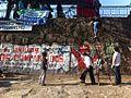 ANDHA Chile junto a trabajadores del supermercado Monserrat, en río Mapocho.jpg