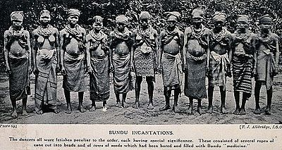 400px-A_group_of_Bundu_female_dancers_al