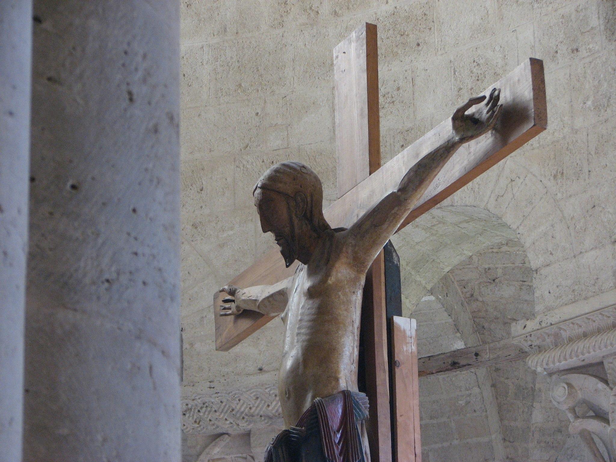 Abbazia di Sant'Antimo - 37 - Il crocifisso dell'altare maggiore