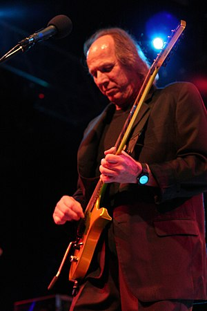 King Crimson - Belew performing in 2006