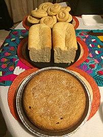 Agregados a la gastronomía mexicana, sincretismo 08, pan blanco y panqué con chocolate.jpg