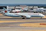 Air Canada, C-FRSE, Boeing 787-9 Dreamliner (42595664250).jpg