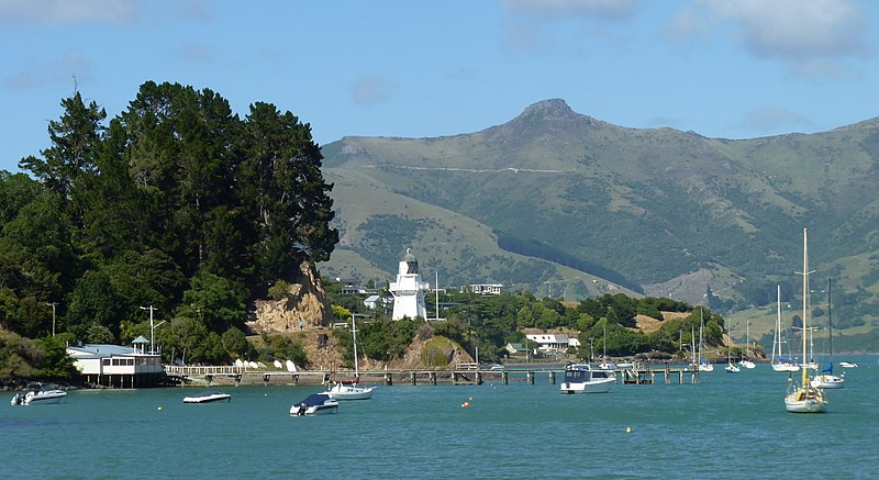 File:Akaroa, South Island, New Zealand (2).JPG