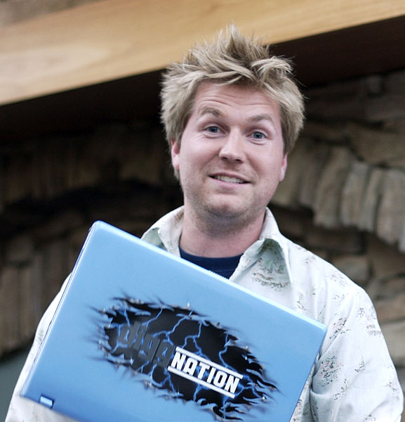 577px-Alex_Albrecht_diggnation_laptop.jpg