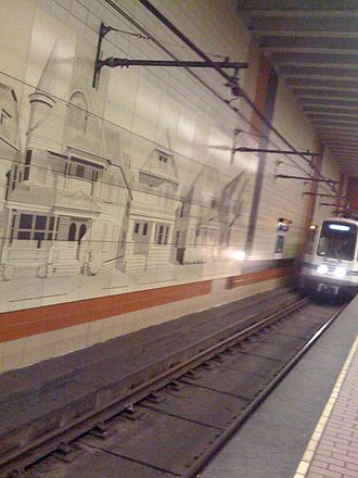 Amherst Street station - Outbound train arriving at Amherst Street station