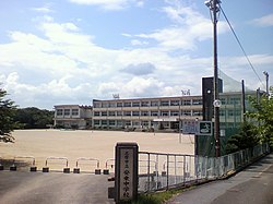 Anori Junior High School.jpg