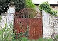 Antella, villa in via del carota, cancello 01.JPG