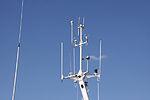 Antennes de radiocommunication marine sur un chalutier hauturier (8).JPG