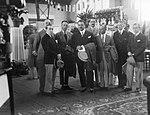 Antonín Kumpera (nejmenší zleva) s delegací Bulharska na pražské letecké výstavě (1927).jpg