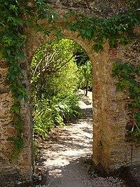 Archway between walled gardens, Greenway - geograph.org.uk - 191221.jpg