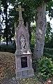 Atteln - Priestergrabmal.jpg