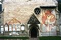Auer - St. Peter - Westfront mit Christophorus-Fresko.jpg